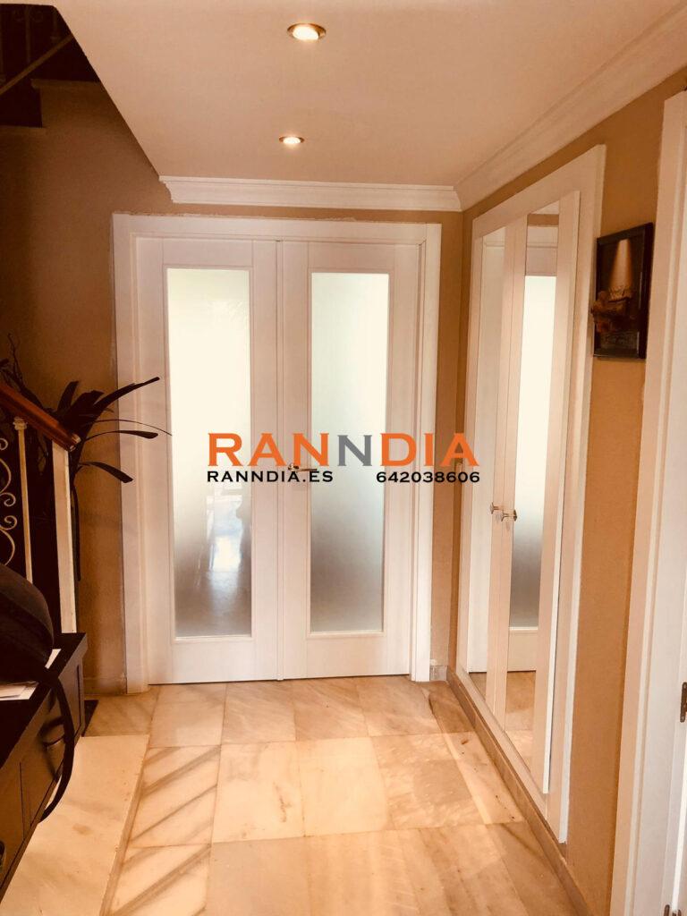 Puertas blancas lacadas en Velez Malaga